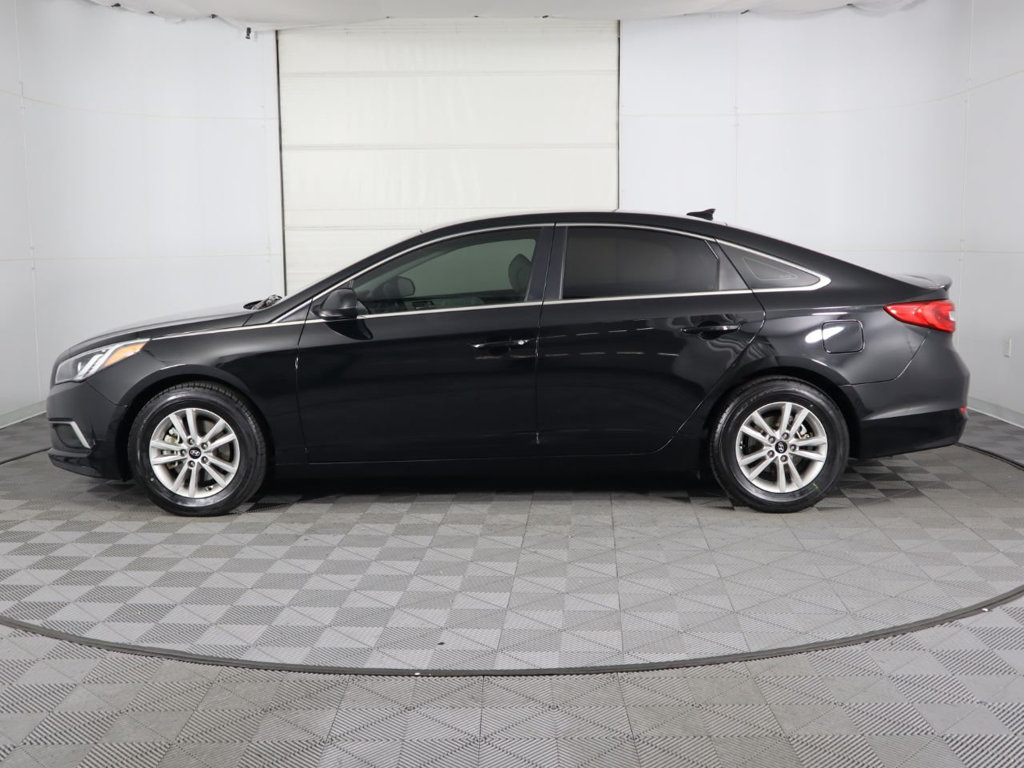 Pre-Owned 2016 Hyundai Sonata 4dr Sedan 2.4L